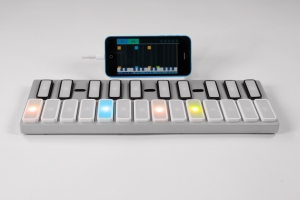 The Keys Keyboard with iPhone Connected
